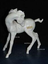 +# A015411_06 Goebel  Archivmuster, CE 6283 stehendes Pferd / Fohlen Bisquitpor.