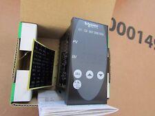 Schneider PID Temperatura Controlador 96x48 (1/8 DIN), 4 salida de relé S1 7243989