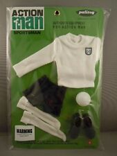 ACTION MAN  40th - WHITE JERSEY FOOTBALLER CARD - SPORTSMAN - Carded