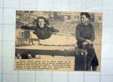 1949 Doreen Wood Of Hastings And Peter Squires Southern Counties Diving Champion