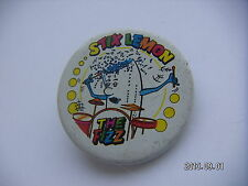 THE FIZZ STIK LEMON PICTURE BADGE