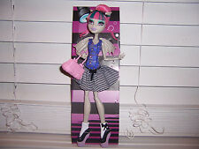 Monster High Dance Class ROCHELLE GOYLE  Doll New Loose Target Exclusive IN HAND
