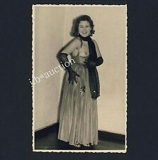 Playful mature woman going out W nude Breast & GLOVES VINTAGE 30s amatoriale PHOTO