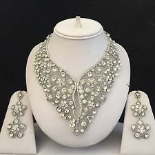 CLEAR SILVER INDIAN COSTUME JEWELLERY NECKLACE EARRINGS DIAMOND SET BRIDAL NEW