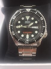 Seiko  Automatic Day/Date 200 Meters Divers Luminous Dial  Watch Model SKX007K2