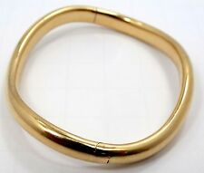 Sleek 18K Yellow Gold Curved Bangle Bracelet S9