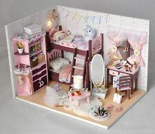 Mädchen Holz DIY LED Puppenhaus Puppenstube Puppenmöbel Puppenzimmer Spielzeug