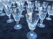 Service de 24 verres en cristal de Baccarat France Modèle Hossegor