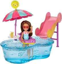 """BARBIE dwj47 """"Club Chelsea pool e dell' acqua Slide"""" Bambola"""