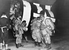 8x6 Photo ww11A6 Normandy USA Paratroopers 101st Airborne` Div. Boarding C47