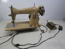 Vintage DeLuxe Precision Sewing Machine Model 1305A
