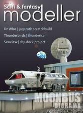 SCI FI & FANTASY MODELLER  24 2001 Moonbus War of the Worlds Tripod Seaview J2