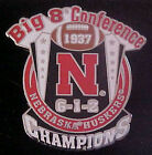 NEBRASKA CORNHUSKERS 1937 BIG 8 CONF CHAMPIONS WILLABEE & WARD COMM SERIES PIN