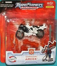 Transformers Robots In Disguise Universe OMICON ARCEE New Factory Sealed 2005