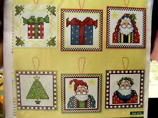 6 CHRISTMAS ORNAMENTS PLASTIC CANVAS KIT CRAFTWAYS VICTORIAN SANTAS