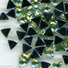 100 Strass TRIANGLE Vert Pale Bijoux déco Ongle Nail Art