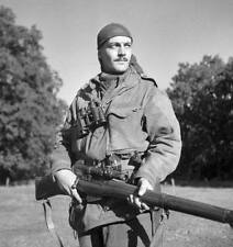 WWII B&W Photo Canadian Sniper Enfield Rifle SMLE  WW2 / 1106