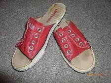 ALL STAR CONVERSE  GIRLS/LADIES  RED  SLIPPERS  SIZE UK 4./37