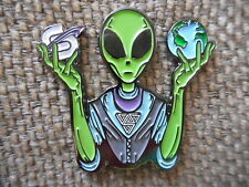 """RARE """"Sound Tribe Alien"""" Pin FREE SHIPPING (Heady UFO Space NASA Sts9 Hat Pins)"""