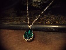 Elegant Vintage Emerald Green Crystal Teardrop Pendant Necklace Gold Plated