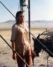 RAQUEL WELCH WET SEE THRU T-SHIRT 100 RIFLES PHOTO