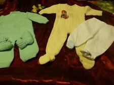 0-6mois bébé ou poupon ,grenouilléres ,chaussons ,pantalons