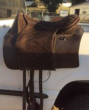 Rare Barefoot Treeless Madrid Saddle. Great For Trail And Gaited!