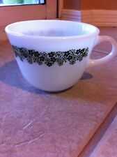 PYREX CORNING WARE CRAZY DAISY, SPRING BLOSSOM GREEN MILK-GLASS CUP