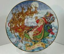 Avon Special Christmas Delivery Santa Sleigh Reindeer Porcelain Plate 1993