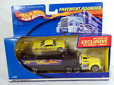 HOT WHEELS 2000 Pavement Pounders Transporter Truck '59 Chevy Impala Car NIB