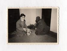 PHOTO Déguisement Humour Funny Curiosité Hommes Alcool Masque Drôle Chien 1960