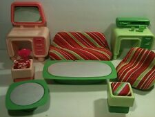 1977 Barbie Dream House Green Couch Bureau Coffee End Tables Chair Pink Vanity