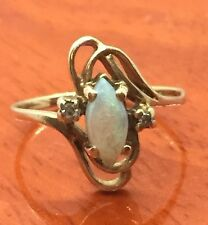 Great Vintage 10k Yellow Gold Diamond Opal Ladies Ring Size 4