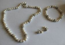 New & Boxed Zenzhu White Freshwater Pearl & Crystal 3 Piece Set (T4)