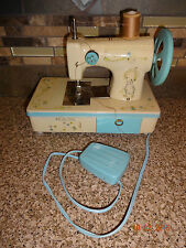 Vintage 1973 Hallmark Betsy Clark Child Metal Sewing Machine Hong Kong --GREAT--