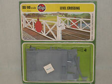 Airfix OO/HO Scale Level Crossing - Factory Sealed