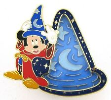 2013 Disney Maze Sorcerer Hat with Sorcerer Mickey Pin Only S8