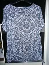 LADIES ROUND NECK TOP by GEORGE SHORT SLEEVE BLUE & WHITE PAISLEY SIZE 22