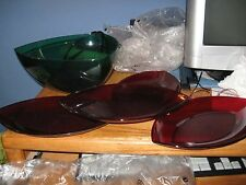 NEW TUPPERWARE SERVING SET RED GREEN HOLIDAY SET HOSTESS GIFT CHIPS SNACKS NEW