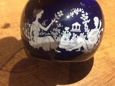 VINTAGE 1970s calibri of London Pottery blu più chiaro con classico fregio dello smalto