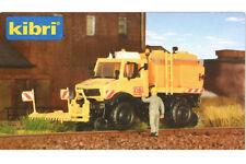 Kibri 16303 H0 LKW Zweiwege Unimog mit Sprüh- und Schwemmeinrichtung