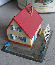 Vintage 1960s Hoffman HO Scale Small Cottage Building on Base