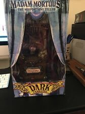 Mezco Dark Carnival Madam Mortuus The Misfortune Teller action Figure toy statue