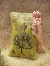 Lavender Potpourri Sachet: Shabby Chic / Vintage Paris / Dress Form
