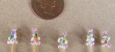 1:12 Hecho A Mano polímero Conejos (5) en un palo Casa de muñecas en miniatura de Infantil Juguete