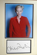 TILDA SWINTON - TOP MODEL AND ACTRESS - BRILLIANT SIGNED PHOTO DISPLAY