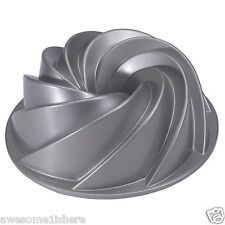 Decorative Cake Pan Heritage Bundt Swirls Baking Holiday Party Petals Bunt NEW