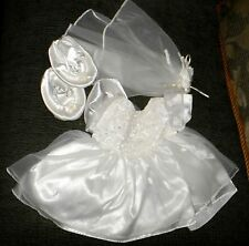 ORIGINAL  BUILD A BEAR' GIRL WEDDING GOWN AND ACCESSORIES' VG'  '