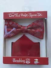 WEMBLEY Spiffy Men's Bow Tie Pocket Square Set Red Snowflakes New