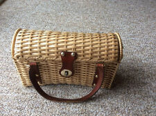 VINTAGE WICKER STRAW POCKETBOOK WITH BROWN LEATHER TRIM AND HANDLES
